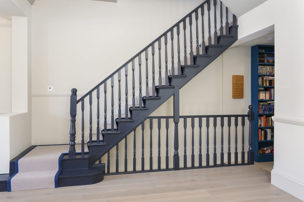 Staircase Painted In Farrow Ball Railings The Contrast Is Sharp