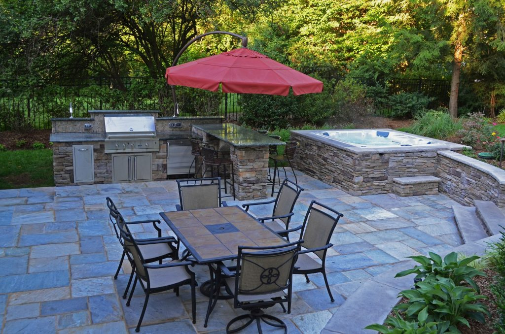 Stone Patio And Hot Tub The Natural Stone Walls And Patio Create A