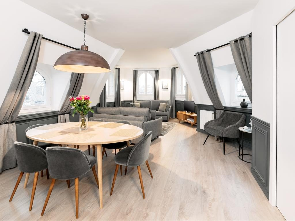 The Residence Luxury 2 Bedroom Apartment Montorgueil