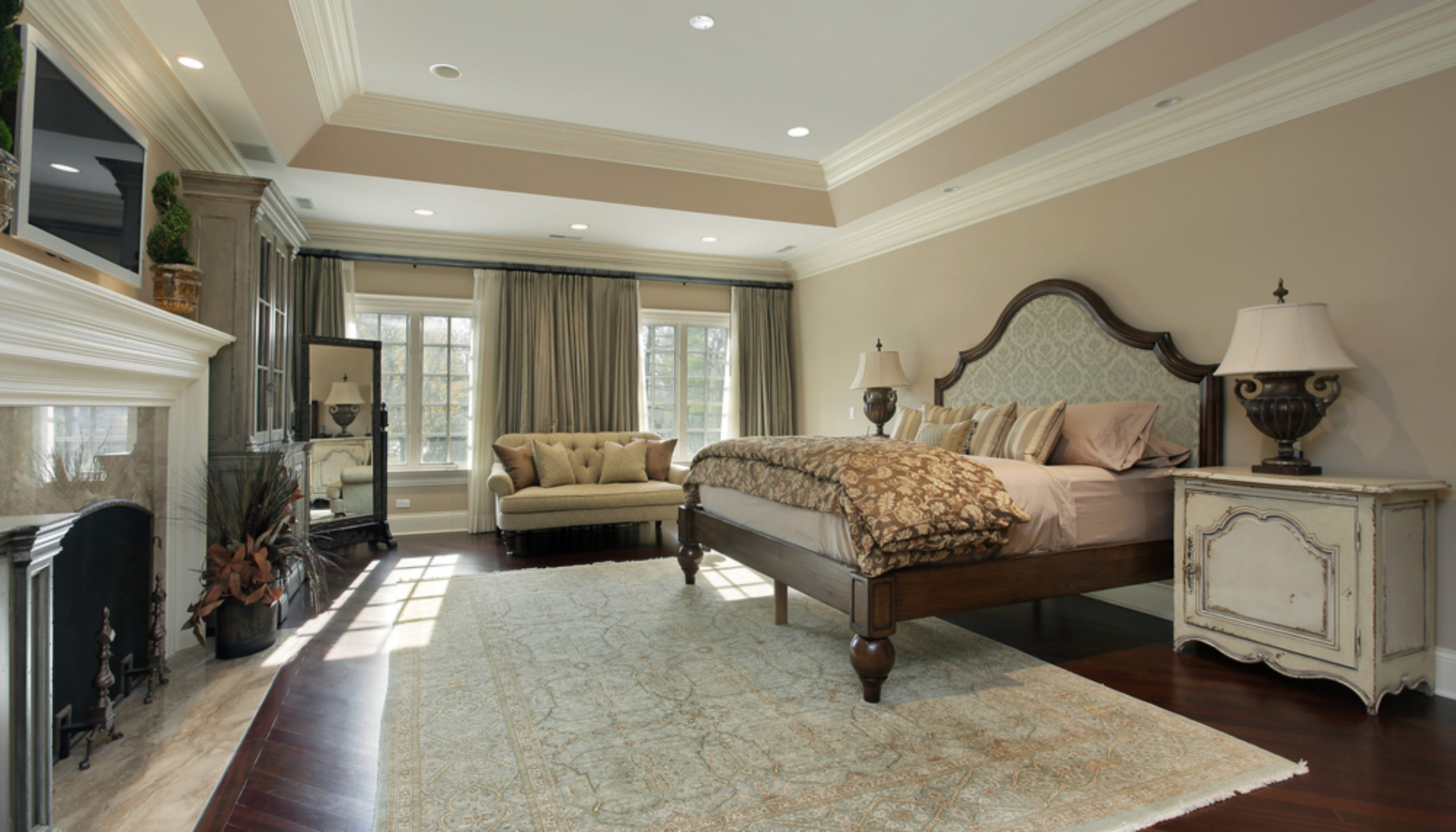 Top 4 Benefits Of Choosing Area Rugs For The Master Bedroom