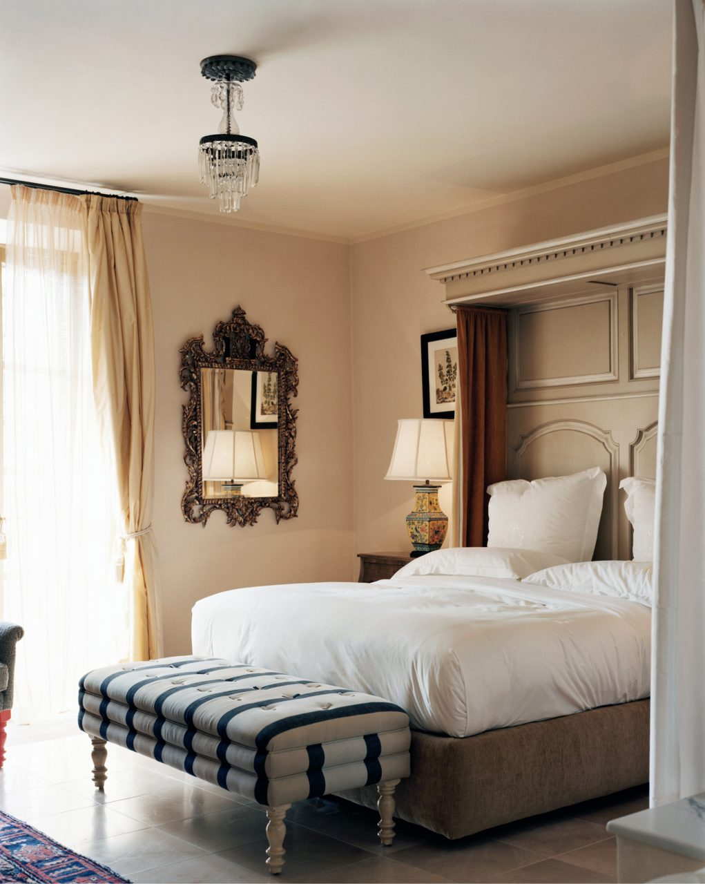 Tuscan Style In Bedroom Decoration