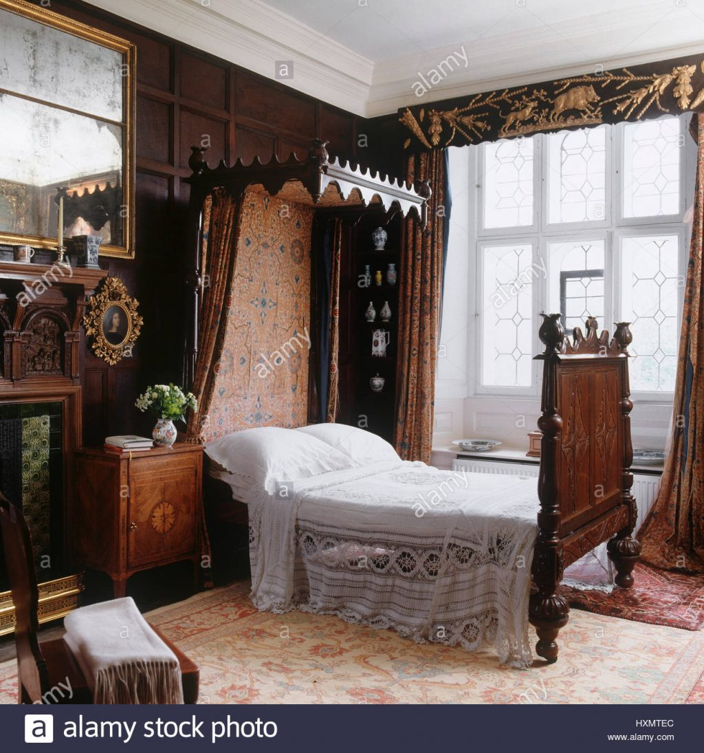 Victorian Style Bedroom Stock Photo 136911892 Alamy