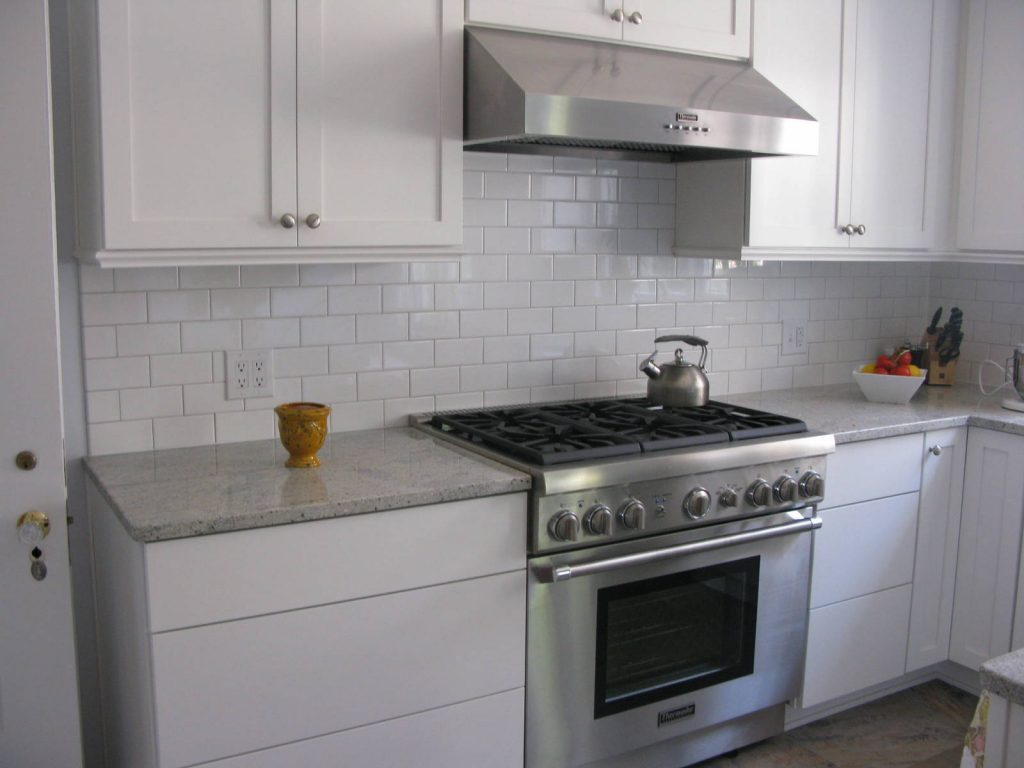 White Kitchen Subway Tile Stainless Steel Vent Hood White And Gray