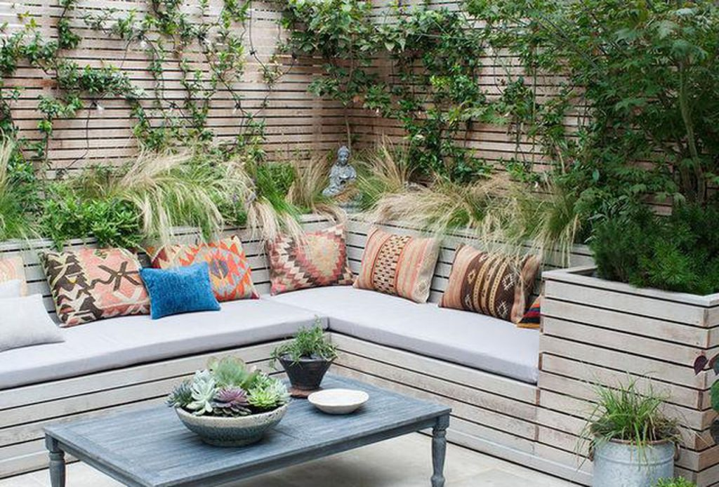 10 Outdoor Seating Ideas To Sit Back And Relax On This Summer