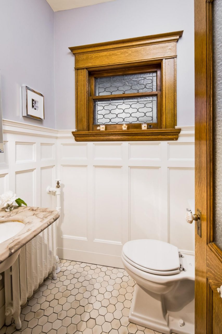 20 Small Bathroom Before And Afters Bathroom Design Wainscoting