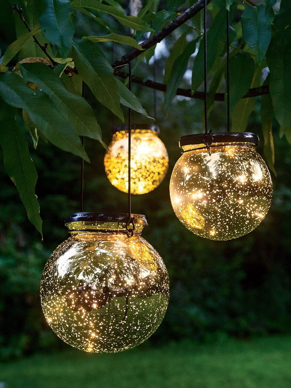 27 Pretty Backyard Lighting Ideas For Your Home Outdoor Spaces