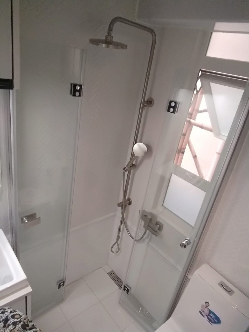 3 Sqm Small Tiny Bathroom Foldable Shower Screen Door Shower