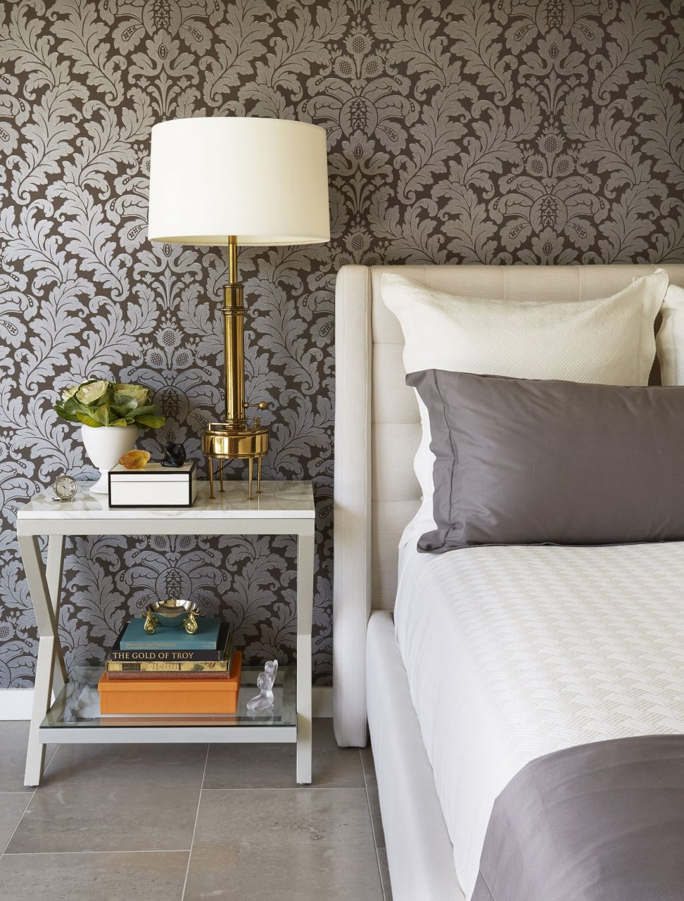 30 Bedrooms With Statement Wallpaper