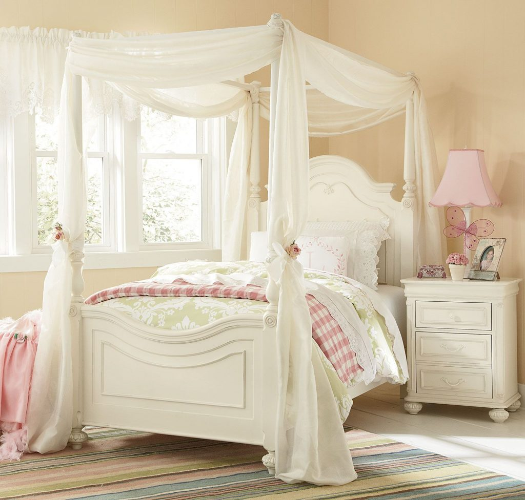 Amber Twin Canopy Bed Antique White Girls Bedroom Canopy Bed