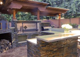 Bar and Kitchen Outdoor Pizza Oven