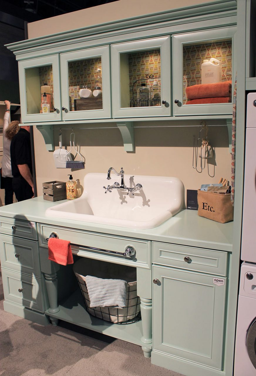 Checking Out The Nelsons Sink On Display At Kbis Retro Renovation