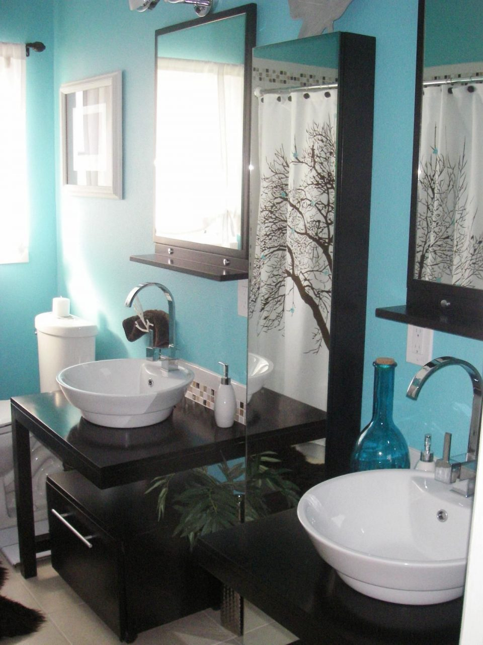 Colorful Bathrooms From Hgtv Fans Furniture Walls Floors Dust