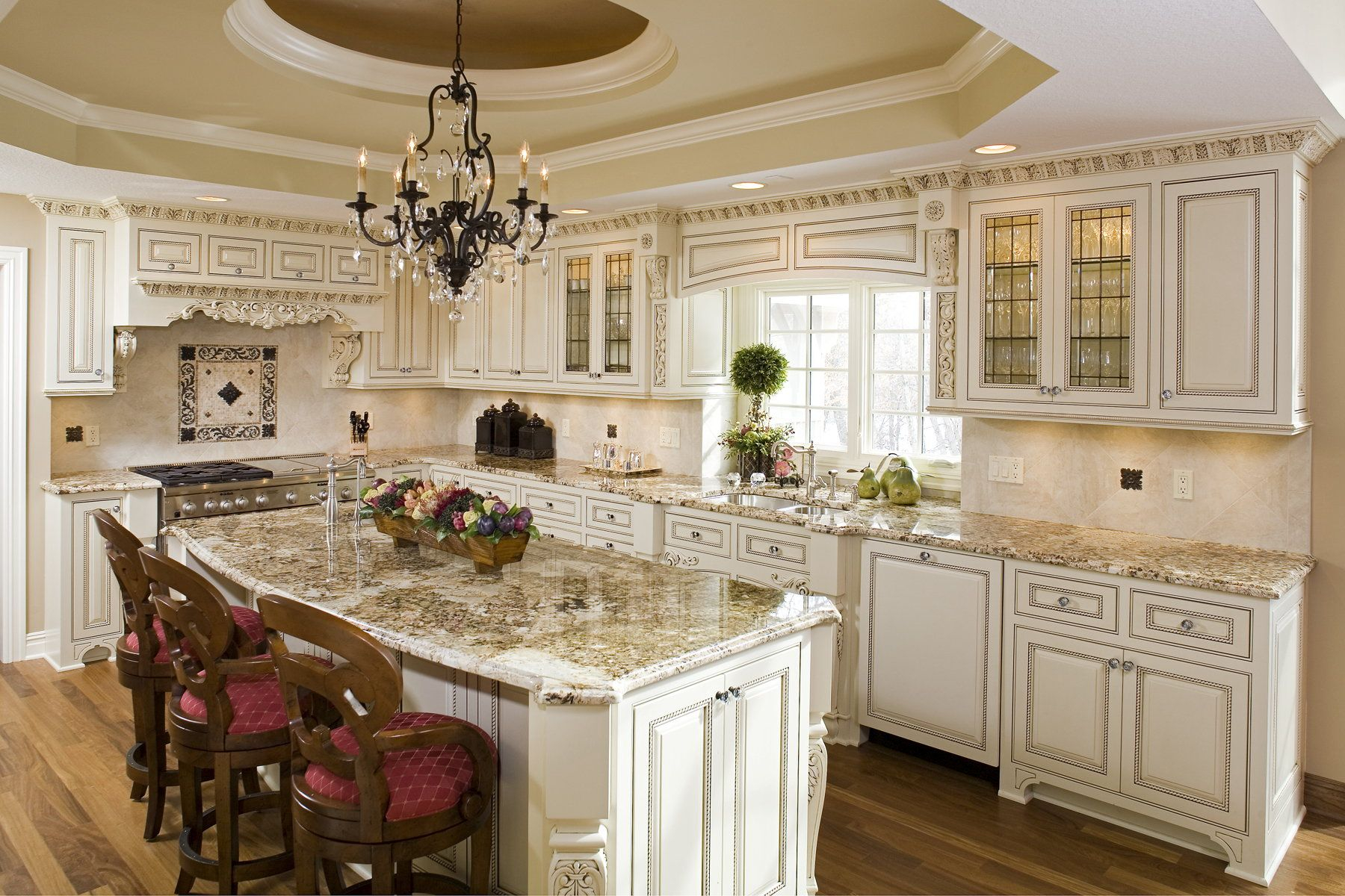 Cream Kitchen Cabinets With Chocolate Glaze Kitchen Kitchens In Layjao
