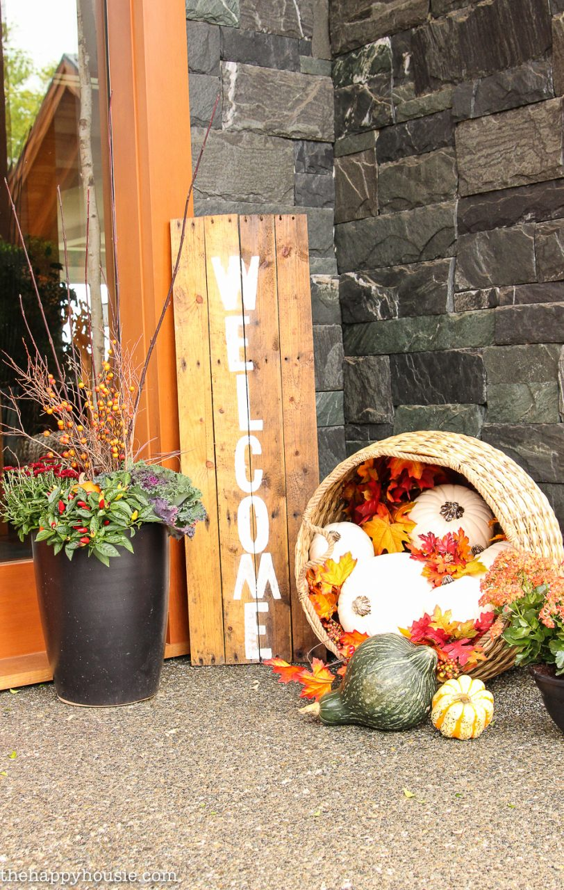 Easy Diy Fall Front Porch Decor The Happy Housie