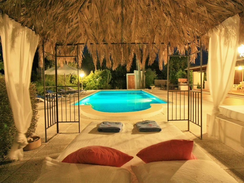 Fantastic Villa With Romantic Pool And Chill Out Area 2 Km To The