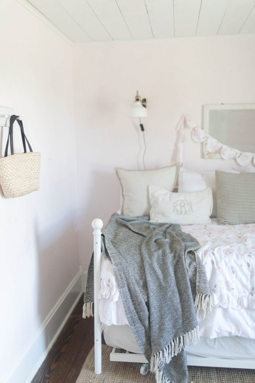 Farmhouse Girls Room Makeover Farmhouse Girls Room Farmhouse
