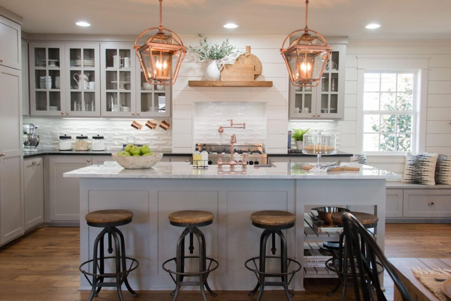 Fixer Upper In 2019 Cottage Farm House Kitchen Fixer Upper