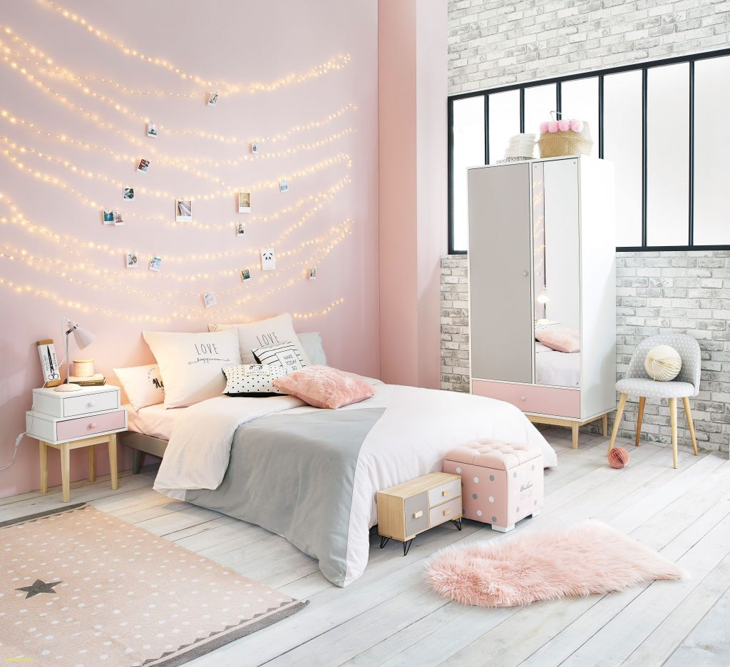 Gold And White Bedroom Best Home Renovation 2019 Kellys Depot