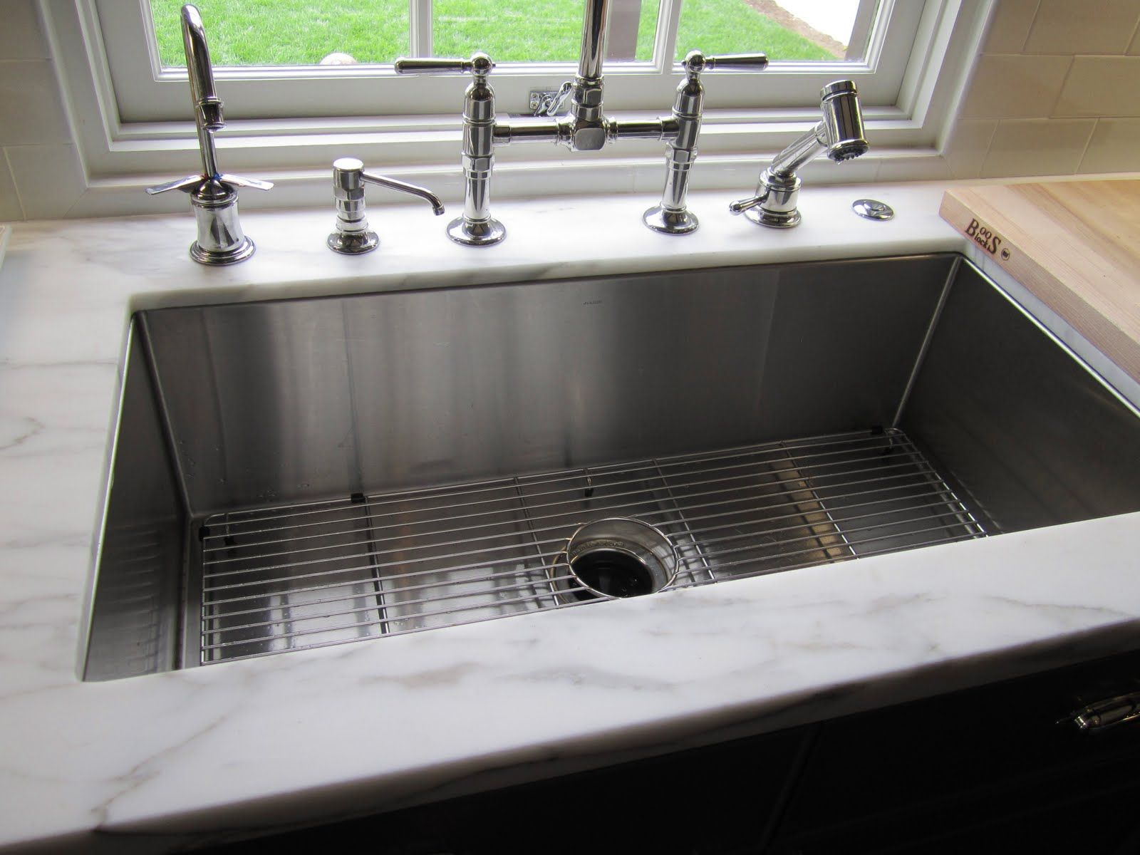 Kitchen Sinks From Traditional To Modern Mio Large Kitchen Sinks