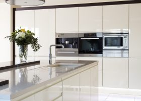 White Gloss Handleless Kitchen
