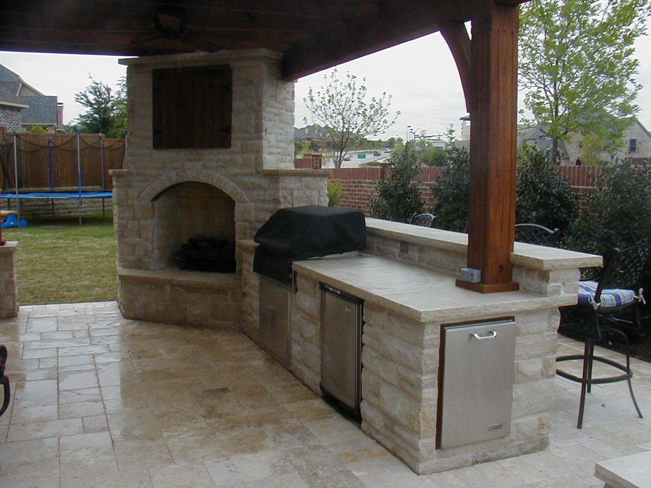 Outdoor Fireplace With Covered Tv Connects To Outdoor Kitchen Love