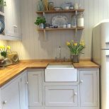 Pin Beth Stec On Cottage Looks Small Cottage Kitchen Home