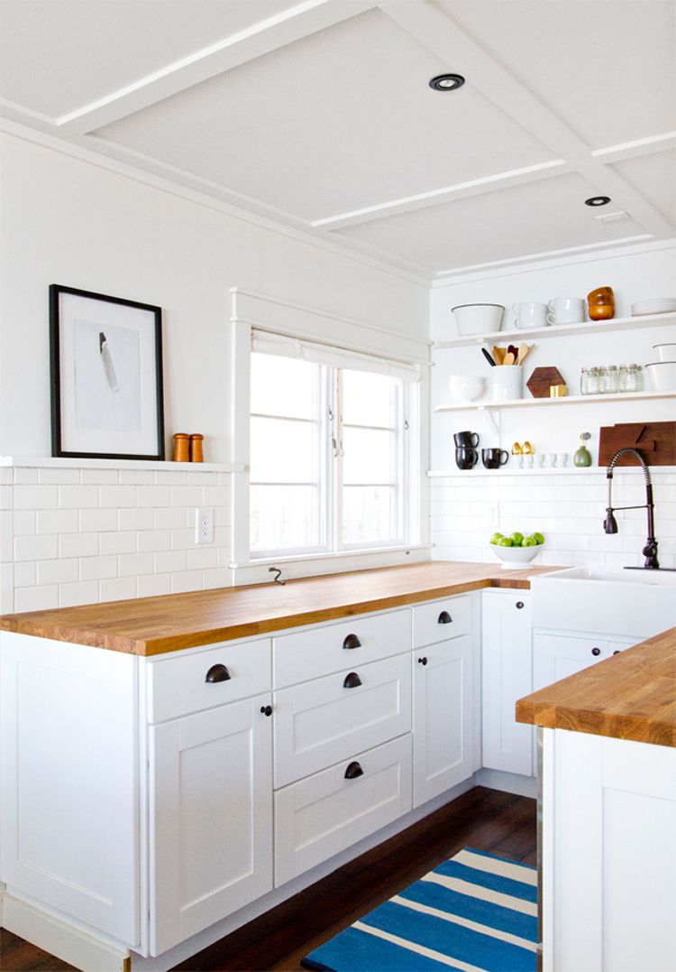 Pin Lucy Eleph On Home Cottage Kitchens Cabin Kitchens
