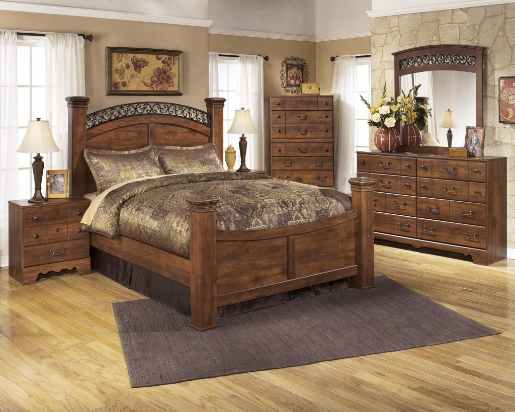 Queen Bedroom Group Signature Design Ashley Wolf Furniture