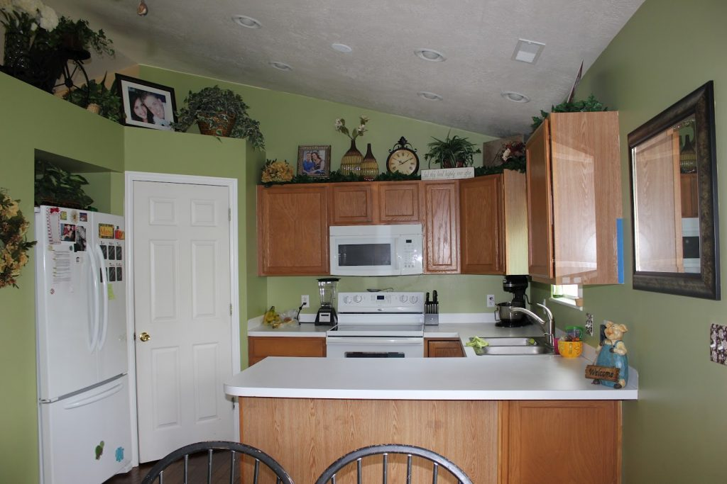 Small Green Kitchen Paint Wall Colors Combine With Oak Cabinets And