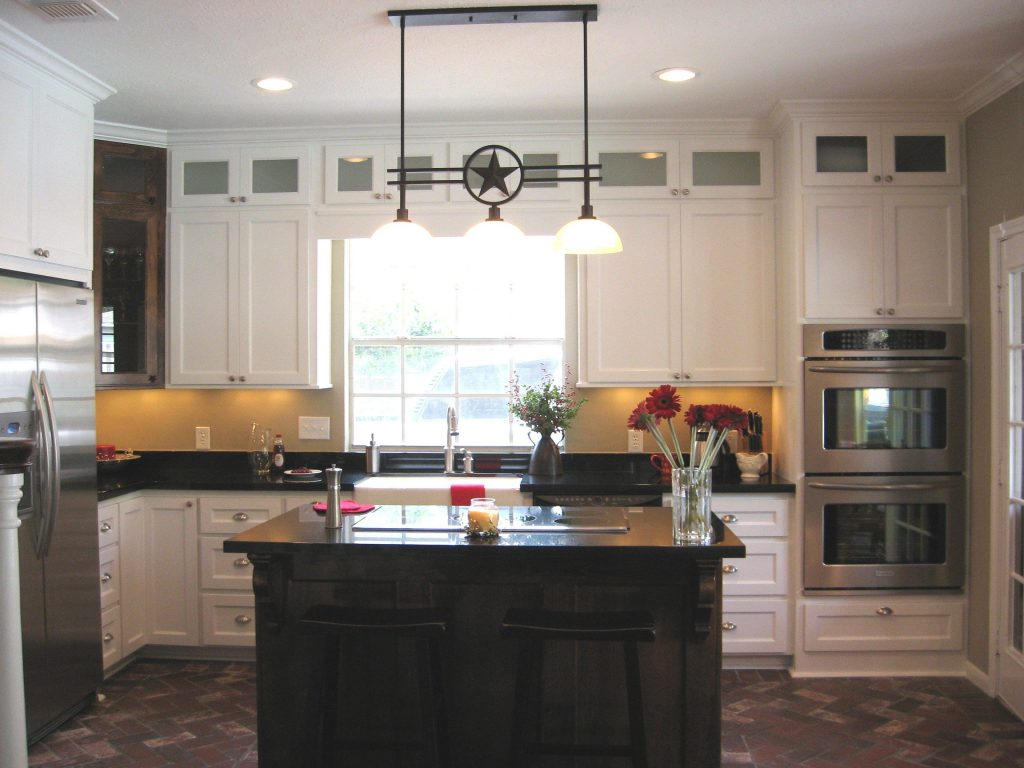 Texas Lone Star Kitchen With Custom Cabinets Stacked Upper Cabinets