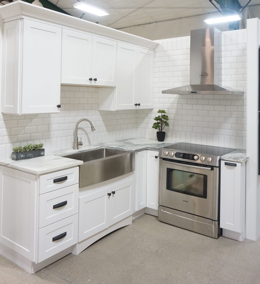 White Cabis Shaker Door Style White Marble Countertops White Marble