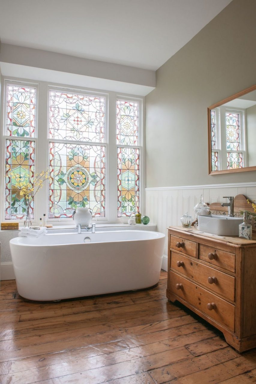 Wow A Simple Modern Bath From Victoria Plum Offsets The Beautiful