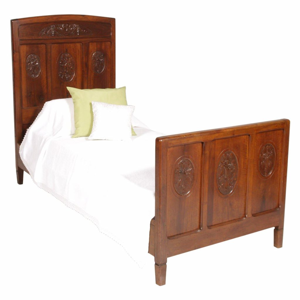 1920s Antique Italian Art Nouveau Pair Of Beds In Cherrywood And