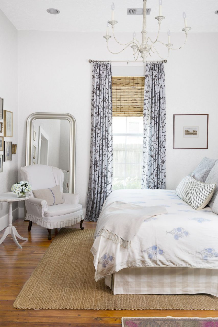 35 Best White Bedroom Ideas How To Decorate A White Bedroom