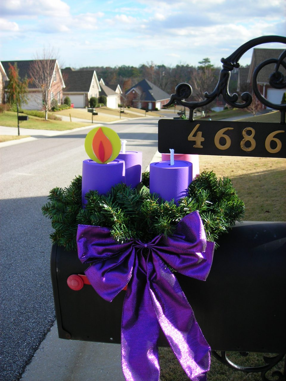 A Lovely Easy Advent Wreath For Your Mailbox Catholicmom