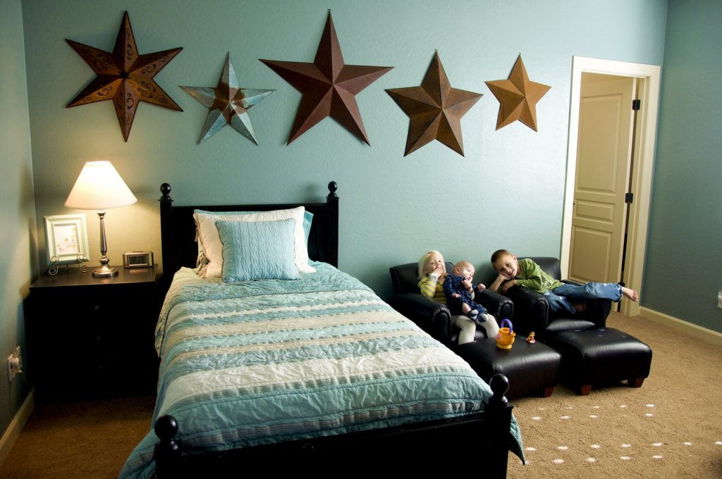 Bedroom Attractive And Cheerful Wall Color Paint Ideas For Kids