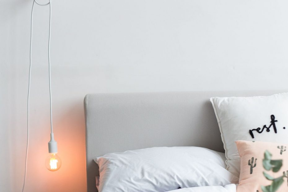 Brighten Up Bedroom Decor With A Diy Gym Ring Hanging Pendant Lamp
