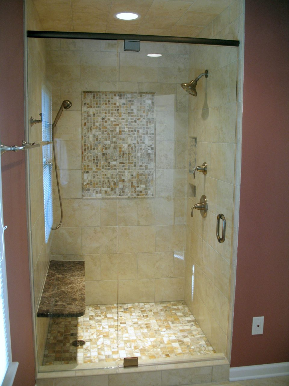 Brown Ceramic Shower Box Wall With Decorative Mosaic Ceramic Glass