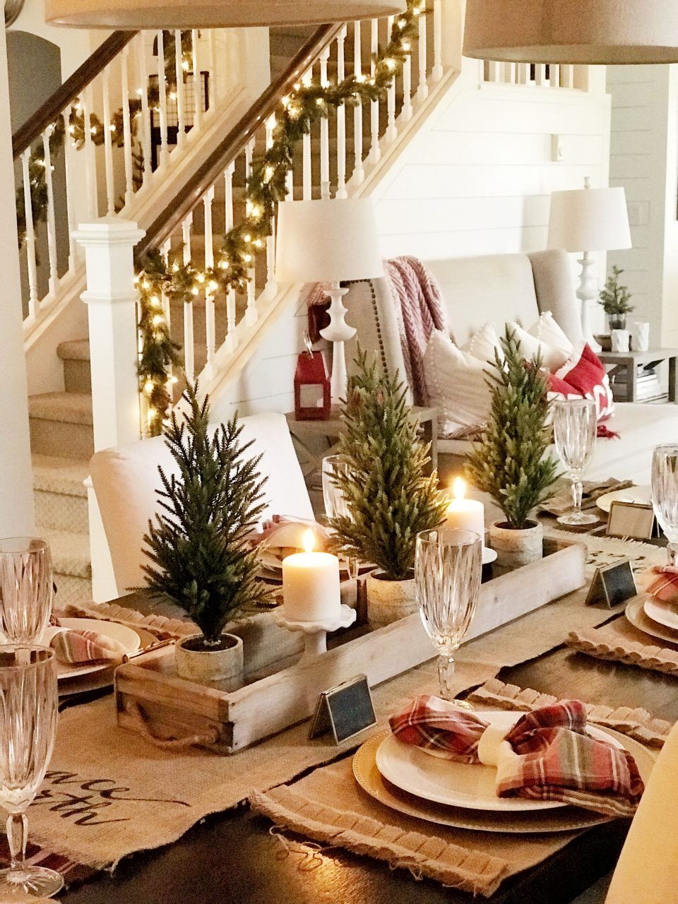 Christmas Decor Ideas For Your Dining Room Decor Simple And