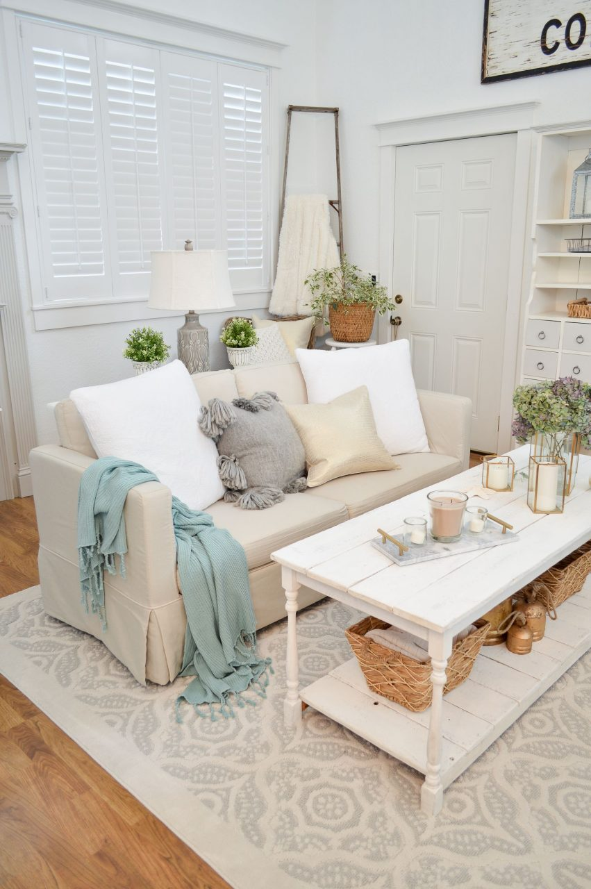 Collected Cozy Cottage Living Room Makeover Bhg Live Better