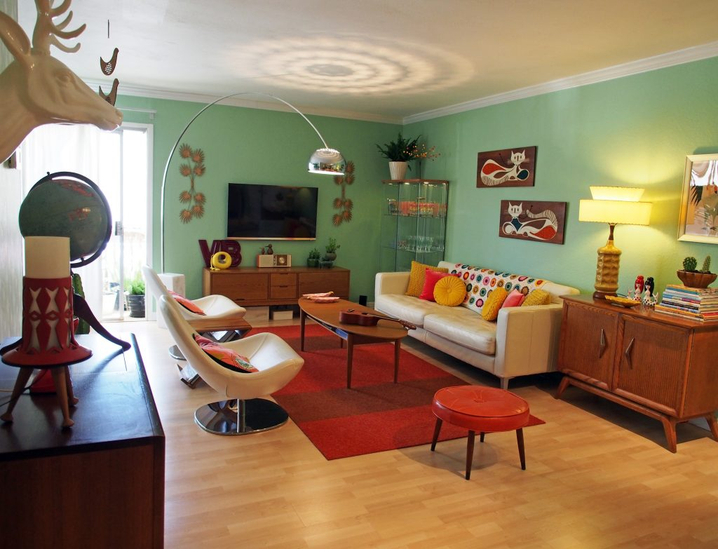 Cool Retro Living Rooms Ideas That Will Upgrade Your Home For Free
