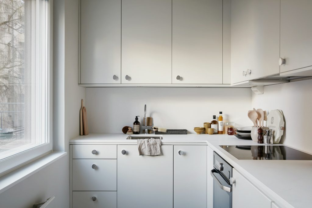 Decordots Small All White Kitchen