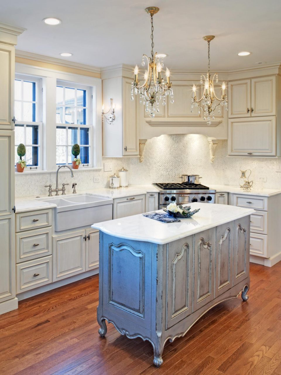Distressed White Kitchen Cabinets Mixed Glass Chandeliers Mixed