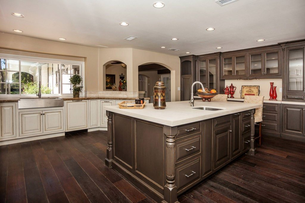 Distressed White Kitchen Cabinets Pictures Paristriptips Design