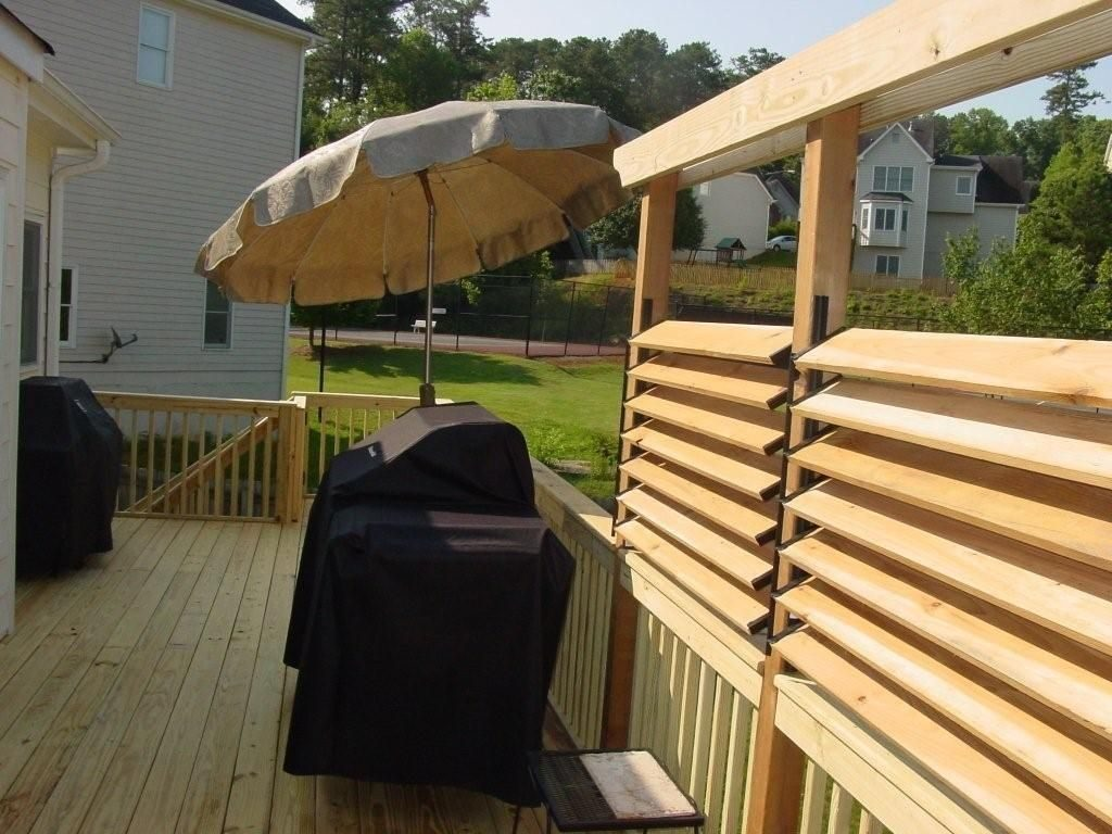 Diy Simple Louvered Privacy Fence For Deck Patio In Your Backyard