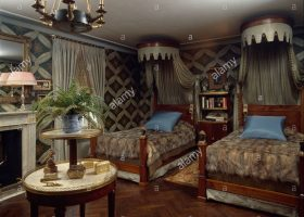 Exotic Style Bedroom