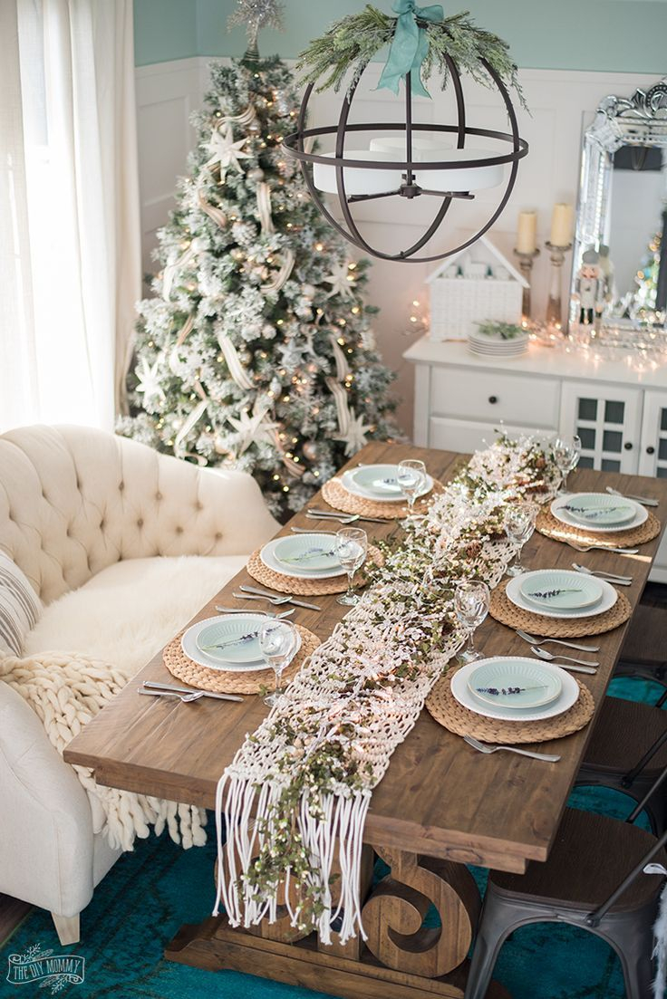 French Country Farmhouse Christmas Dining Room Table Decorating