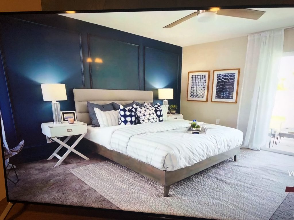 Hgtv Dessert Flippers Navy Wall Master Bedroom Decor In 2019
