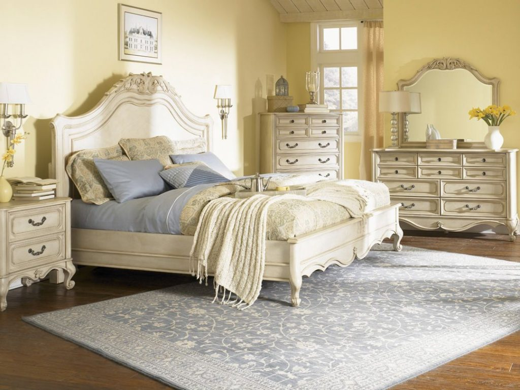 How To Decorate Your Bedroom With A Vintage Style Becoration Class