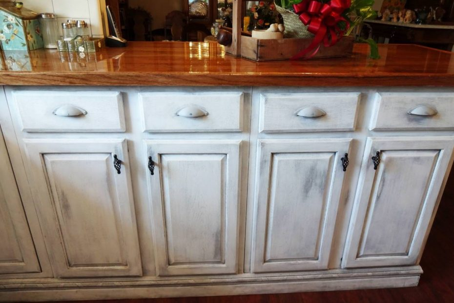 How To Distress Kitchen Cabinets With Chalk Paint Paristriptips
